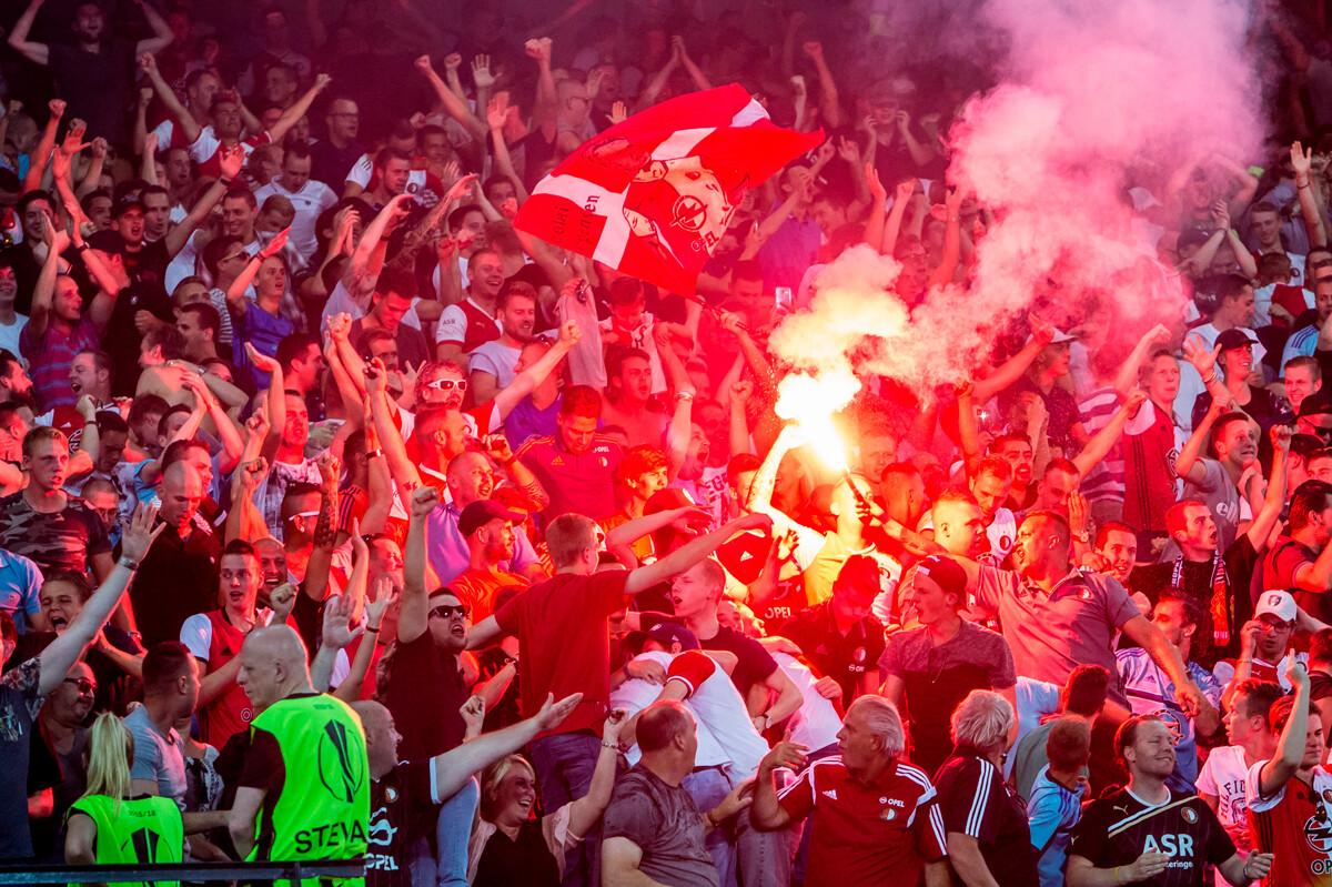 Voetbalgeweld en vuurwerkmisbruik: geef het voetbal terug aan de fans!